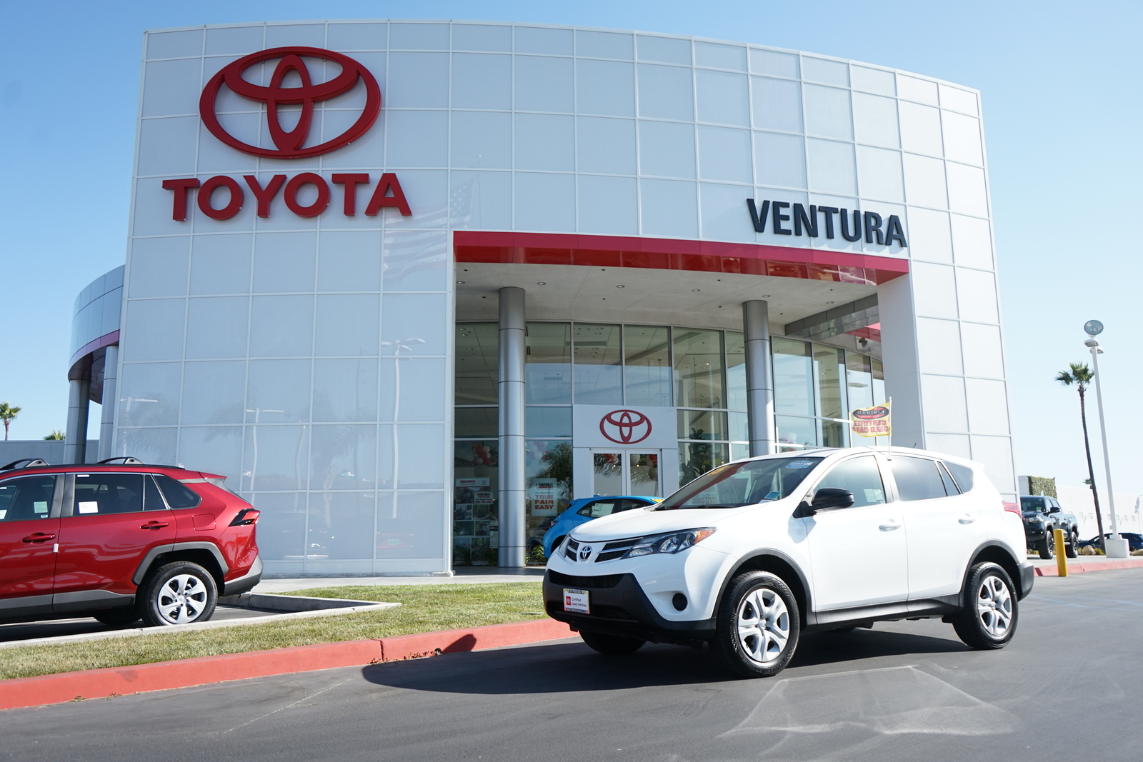 Certified Pre-Owned 2015 Toyota RAV4 AWD 4dr LE