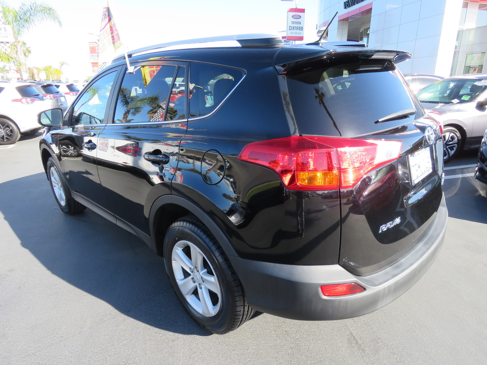 Certified Pre-Owned 2013 Toyota RAV4 AWD 4dr XLE