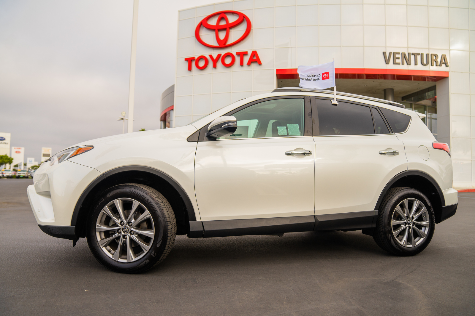 Certified Pre-Owned 2017 Toyota RAV4 Limited FWD