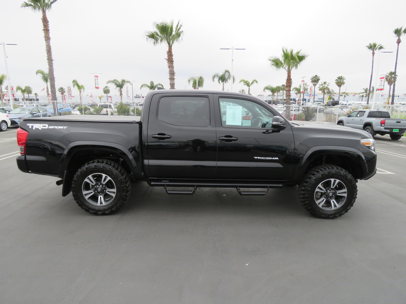 Pre-Owned 2017 Toyota Tacoma TRD Sport Double Cab 5' Bed V6 4x2