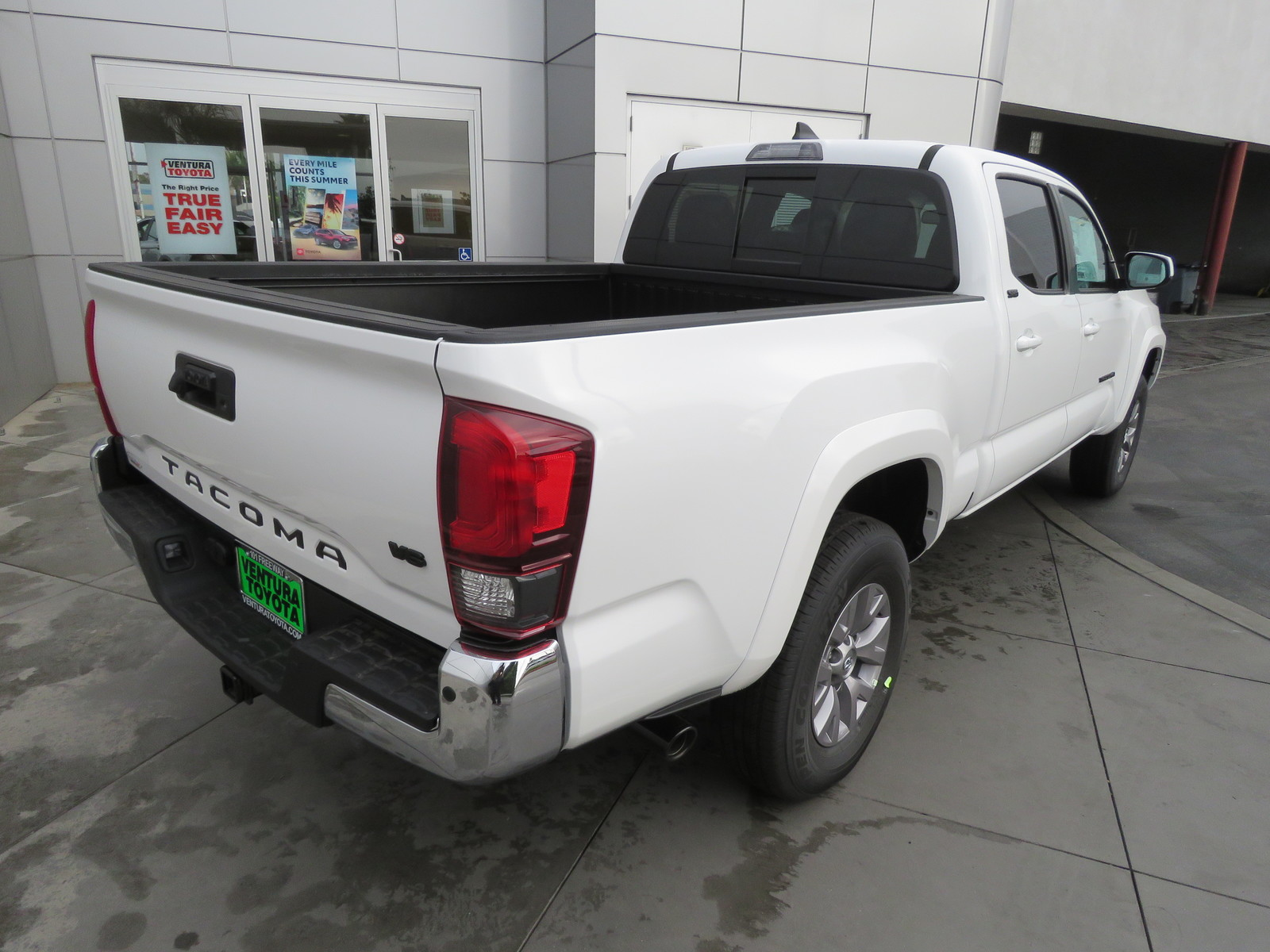 New 2019 Toyota Tacoma 2WD SR5 Double Cab 6' Bed V6 AT (Natl)