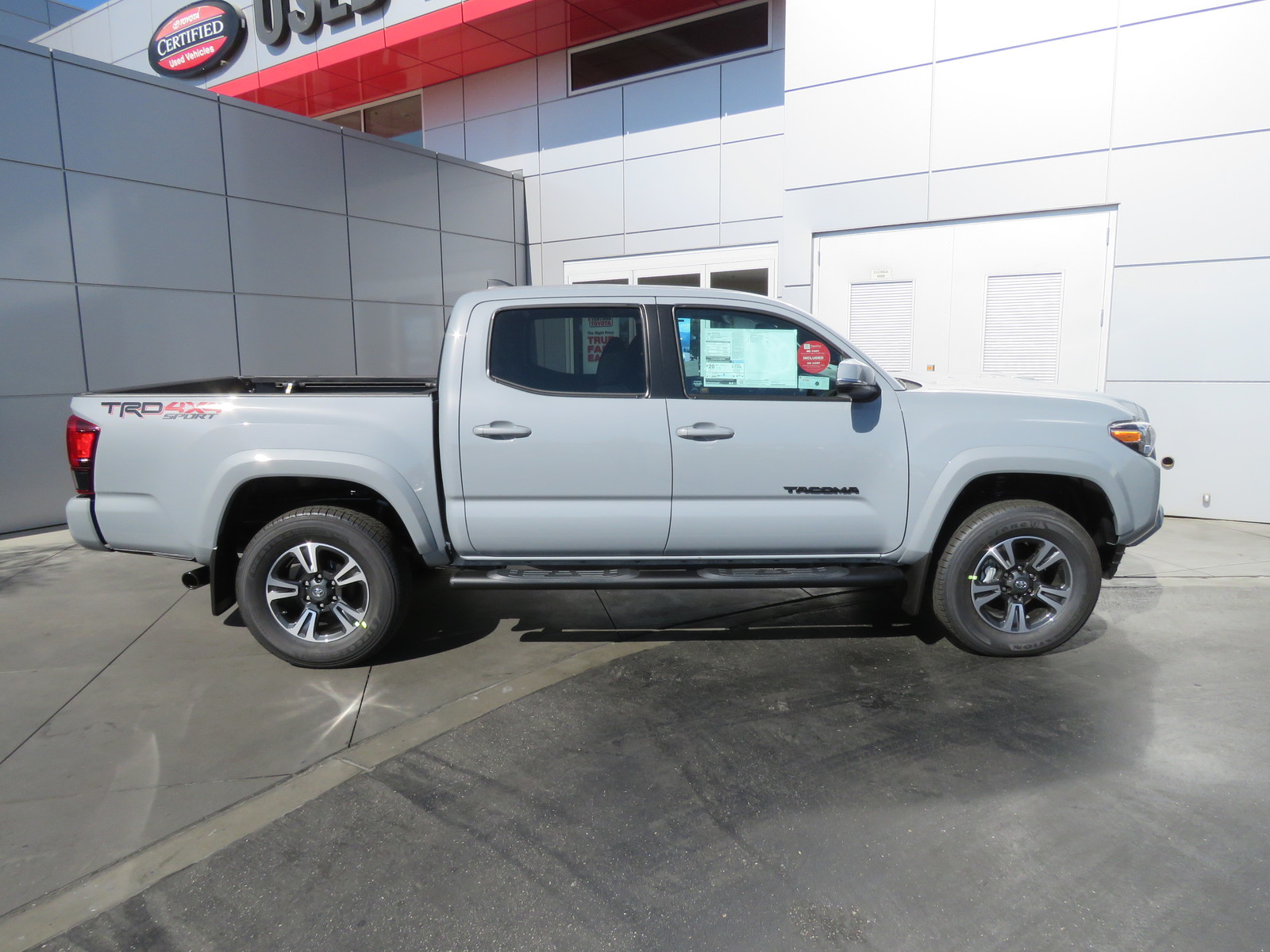 New 2019 Toyota Tacoma 4WD TRD Sport Double Cab 5' Bed V6 AT