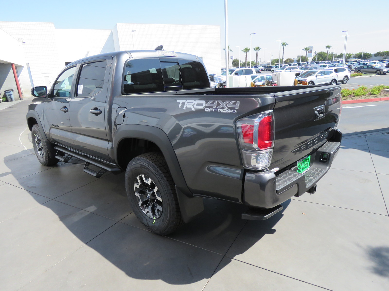 New 2020 Toyota Tacoma 4WD TRD Off Road Double Cab 5' Bed V6 A