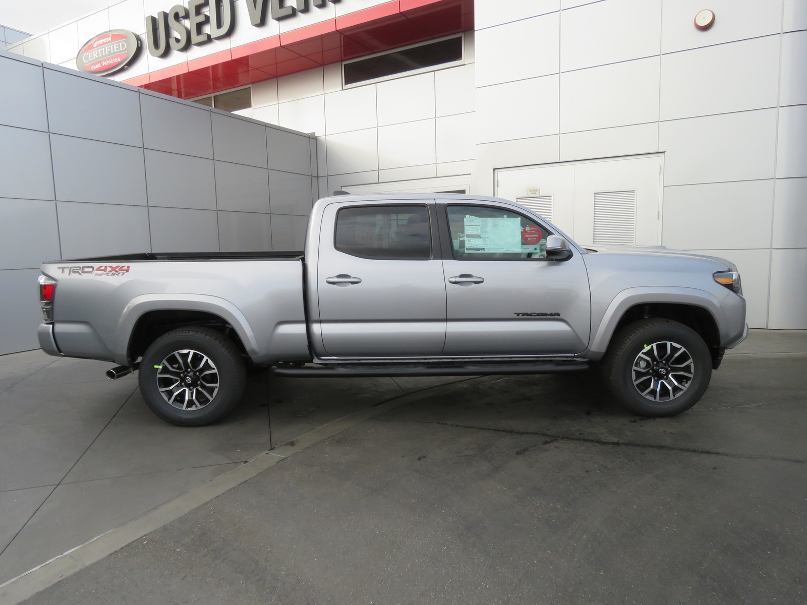 New 2020 Toyota Tacoma TRD Sport Double Cab 6' Bed V6 AT