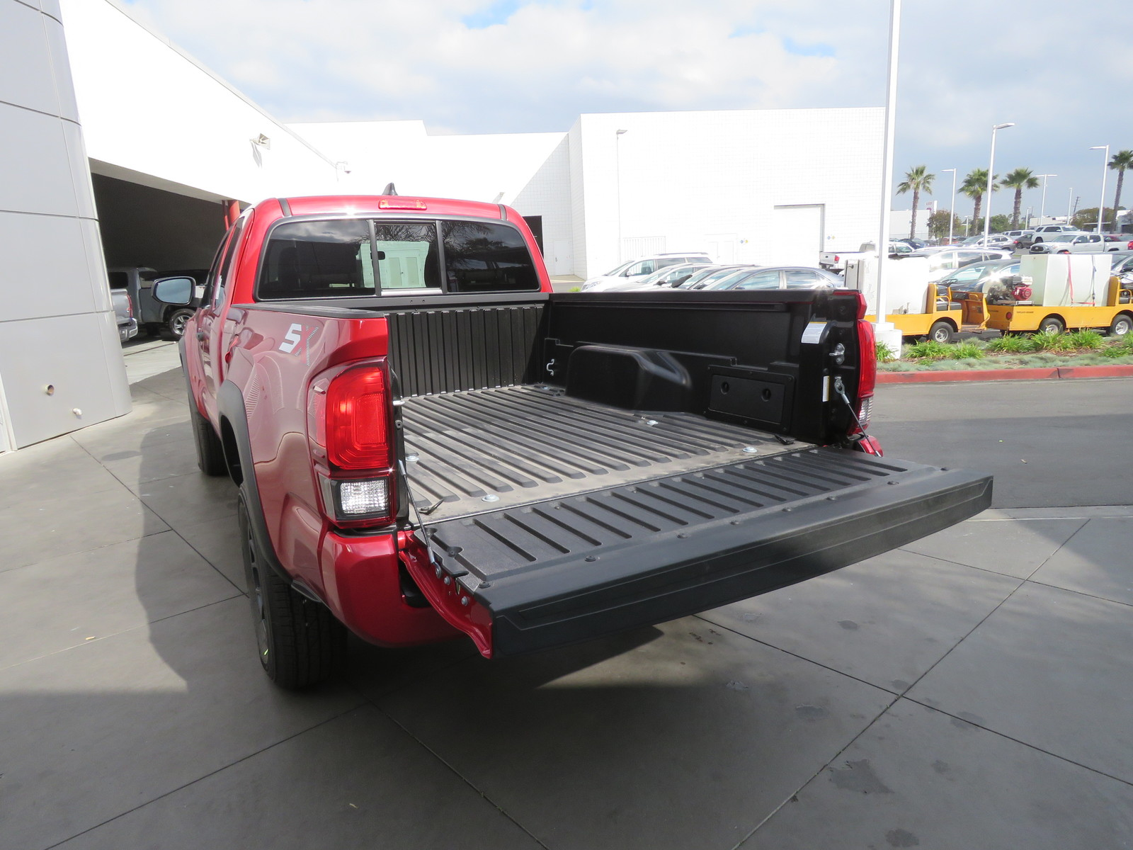 New 2020 Toyota Tacoma SR Access Cab 6' Bed I4 AT