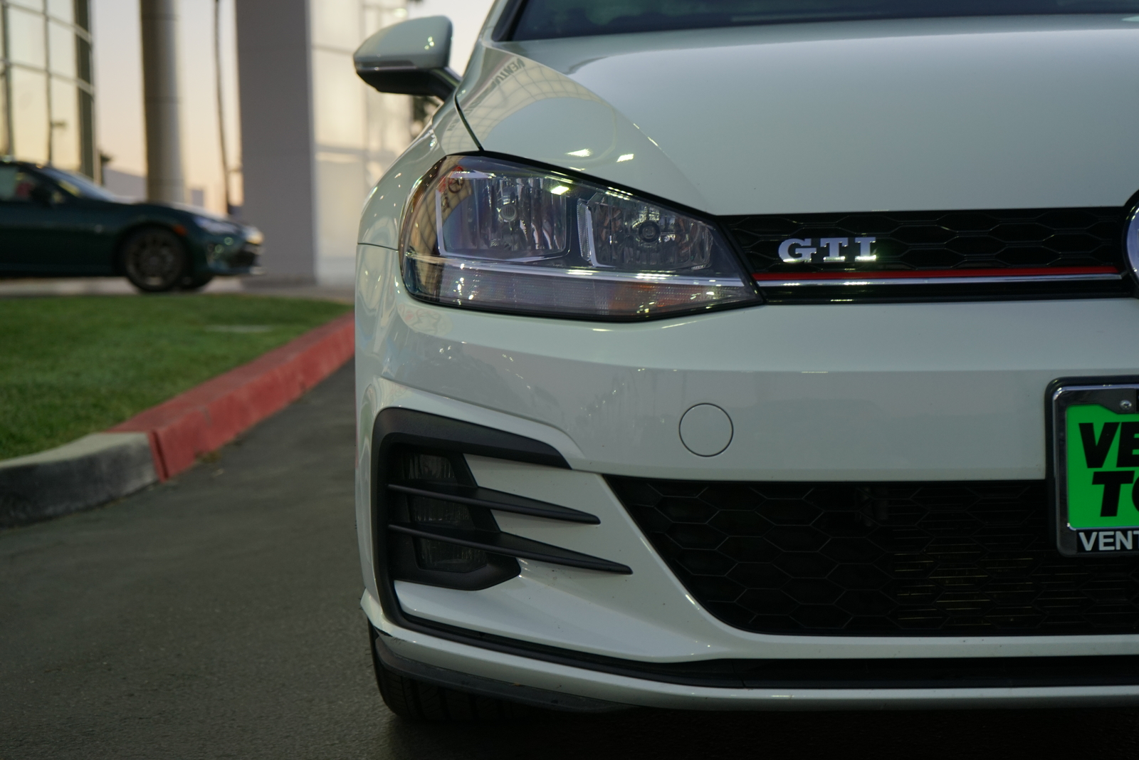 Pre-Owned 2018 Volkswagen Golf GTI 2.0T S Manual