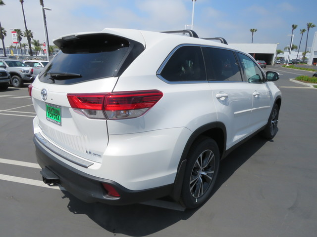 New 2019 Toyota Highlander LE Plus V6 AWD