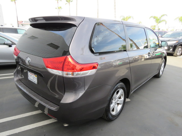 Pre-Owned 2013 Toyota Sienna 5dr 7-Pass Van V6 L FWD