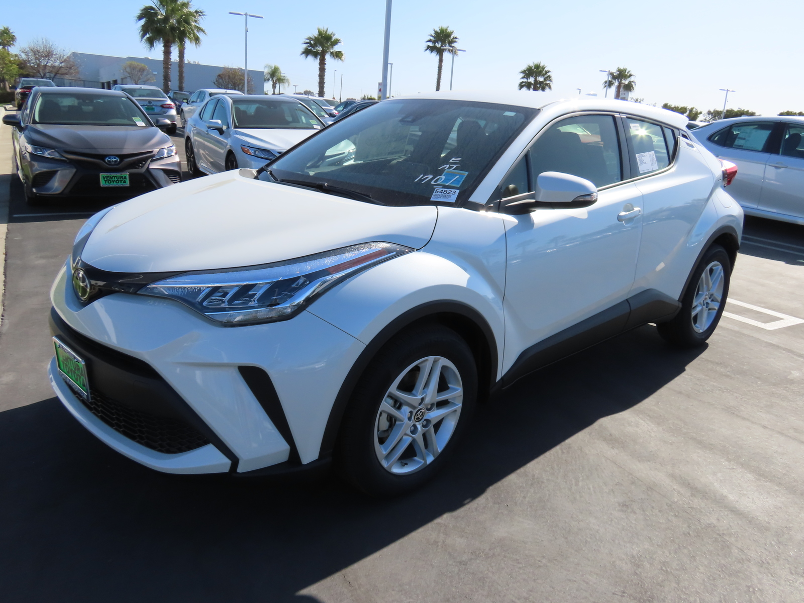 New 2020 Toyota C-HR LE FWD