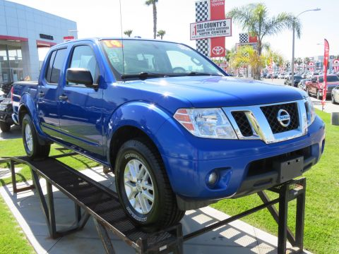 Pre-Owned 2014 Nissan Frontier 2WD Crew Cab SWB Auto SV