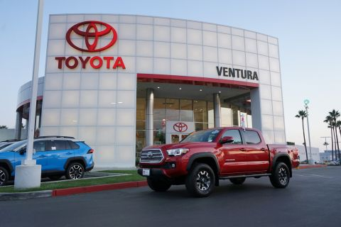 Certified Pre-Owned 2017 Toyota Tacoma TRD Off Road Double Cab 5' Bed V6 4